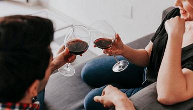 दिल्ली वालों के लिए बड़ी खुशखबरी, घर बैठे ही ऑर्डर कर सकते है अपनी मनपसंद की वाइन, जानिए क्या है प्रक्रिया