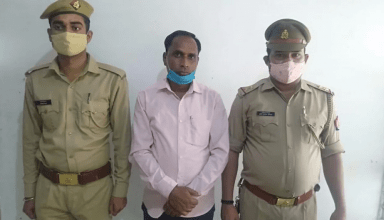 सपा प्रत्याशी रितु सिंह की प्रस्तावक अनिता यादव पर हमला करने वाले दोनों आरोपी गिरफ्तार, CO समेंत कई पुलिस अधिकारियों पर गिरी गाज